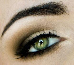 Темный макияж для зеленых глаз, макияж смоки айс для зеленых глаз