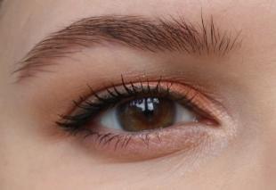 Макияж для рыжих с карими глазами, персиковый макияж для каре-зеленых глаз
