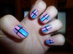 Рисунки на ногтях иголкой, разноцветный маникюр с полосками в виде решетки