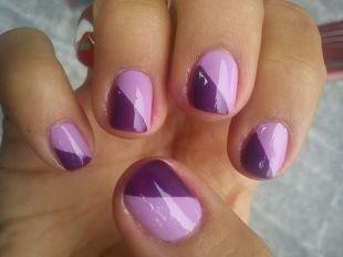 Геометрические рисунки на ногтях, косой двухцветный маникюр