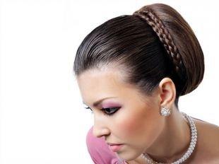 Прически в стиле 50 х годов на длинные волосы, изящная прическа на последний звонок в деловом стиле