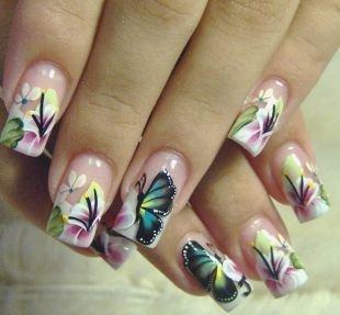 Дизайн нарощенных ногтей, весенний маникюр с рисунком бабочек и цветов