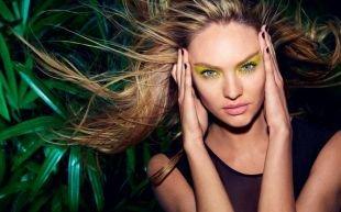 Креативный макияж, макияж для голубых глаз с салатовыми тенями