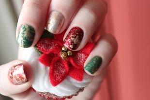 Красные ногти с рисунком, модный маникюр с текстурными вкраплениями