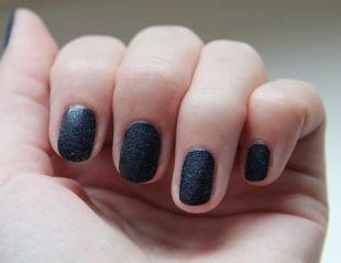 Рисунки на квадратных ногтях, черный бархатный маникюр