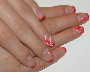 Коралловые ногти с рисунком, красный френч с цветами