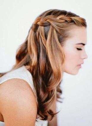 Причёски с распущенными волосами на длинные волосы, прическа водопад