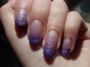 Рисунки на квадратных ногтях, синий градиентный маникюр с блестками