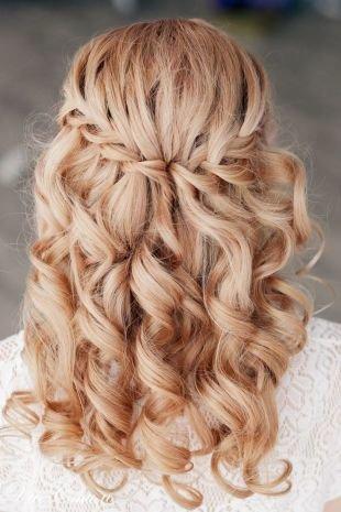 Причёски с распущенными волосами на длинные волосы, прическа водопад - оригинальный вариант