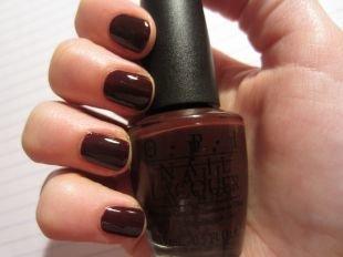 Темный маникюр, маникюр шоколадного оттенка на короткие ногти