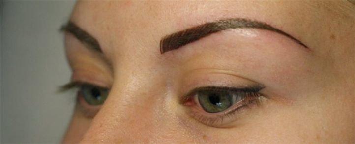 Татуаж глаз - стрелки с растушевкой