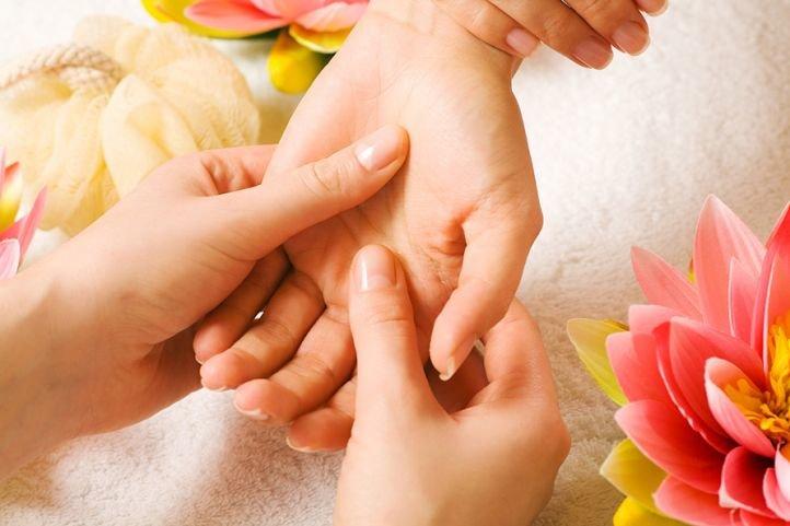 Массаж рук и ногтей - СПА процедуры для рук