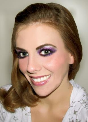 Восточный макияж для зеленых глаз, яркий сиреневый макияж глаз