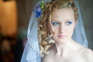 Нежный свадебный макияж, свадебный макияж для голубых глаз с синими тенями