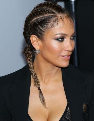 Стрижки и прически на длинные волосы, модная прическа с афрокосичками