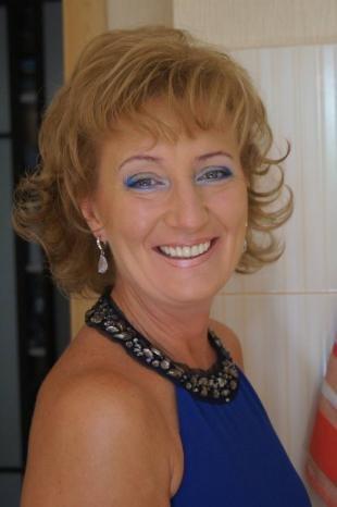 Макияж для голубых глаз с голубыми тенями, голубой макияж глаз для женщин после 50 лет