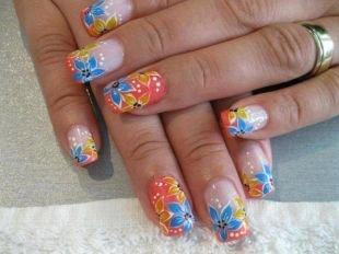 Китайская роспись ногтей, яркий цветочный маникюр