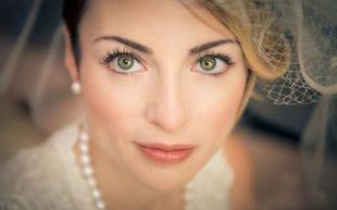 Свадебный макияж для зеленых глаз и темных волос, свадебный макияж для зеленых глаз в пастельных тонах