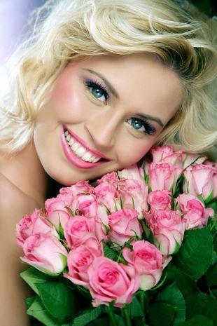 Свадебный макияж в сиреневых тонах, очаровательный свадебный макияж для голубых глаз