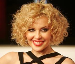 Цвет волос медный блондин на средние волосы, прическа на средние волосы с мелкими кудрями