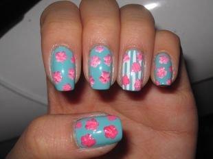 Нежные рисунки на ногтях, маникюр с розами