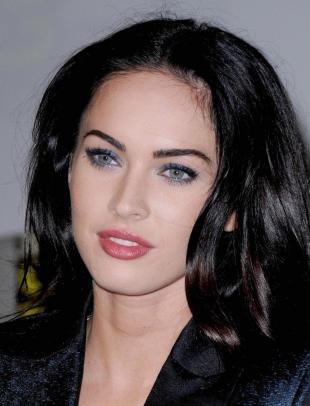 Макияж для голубых глаз с голубыми тенями, макияж для брюнетки с голубыми глазами