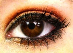 Яркий макияж для карих глаз, макияж для карих глаз золотистыми тенями