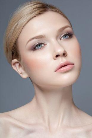 Макияж на каждый день для серых глаз, использование румян в макияже на 1 сентября