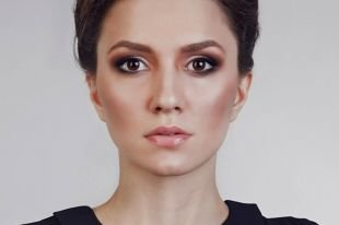 Яркий макияж для брюнеток, контурирование круглого лица