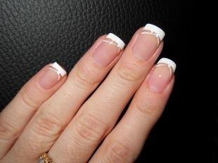 Рисунки на ногтях зубочисткой, стильный белый шеллак френч