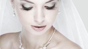 Свадебный макияж для серо-голубых глаз, оформление глаз в свадебном макияже