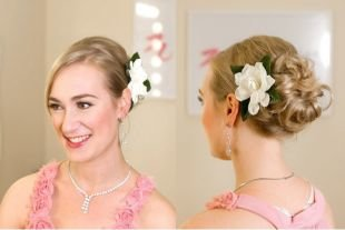 Прически с цветами на средние волосы, романтичная прическа на средние волосы с цветком