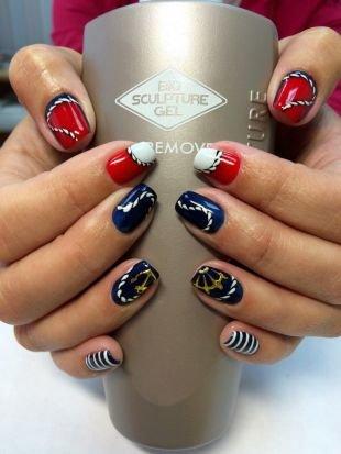 Черный дизайн ногтей, разноцветный морской маникюр